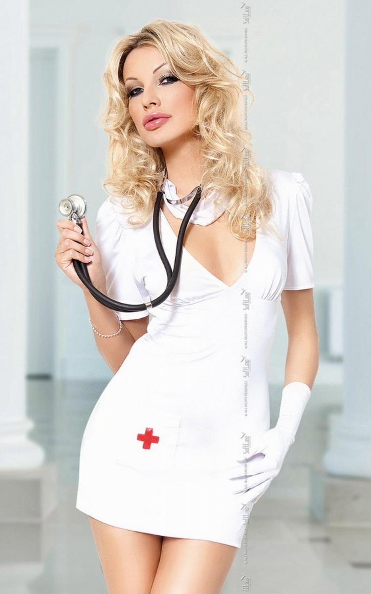 в медицинском халате блондинка извлечь